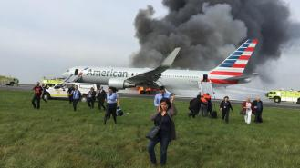 la-na-chicago-ohare-fire-20161028